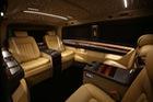 Nội thất như Rolls-Royce của xe gia đình Mercedes-Benz V-Class Elegance Edition