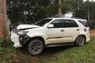 Toyota Fortuner đâm bẹp đầu nhưng không bung túi khí