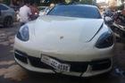 Porsche Panamera va chạm với xe máy, chủ nhân đền 4,6 triệu Đồng