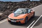 BMW i8 Roadster sẽ đến tay khách hàng vào tháng 3 với giá từ 164.295 USD
