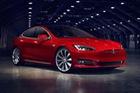 Xe điện Tesla bán chạy hơn cả xe xăng, dầu của Mercedes-Benz hay BMW