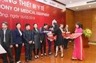 Toyota trao tặng 15 bộ xe đẩy cho các bệnh viện Cao Bằng