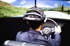 Hệ thống dùng ý nghĩ điều khiển xe của Nissan hoạt động ra sao?