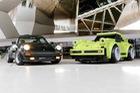 Porsche lắp ráp 911 bằng lego khổng lồ