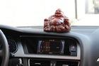 Đặt đồ trang trí trên xe hơi - nguy hiểm rình rập người dùng tại Việt Nam