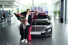"""Vũ Cát Tường sắm Mercedes-Benz E200 """"full black"""" hơn 2 tỷ đồng"""