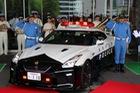 Đại gia bí ẩn tặng Nissan GT-R cho lực lượng cảnh sát Nhật Bản