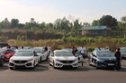 Được hộ tống bằng Ford F-150, hàng chục chiếc Honda Civic chạy tour gần 400 km tại Việt Nam