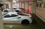 """Cặp đôi Ferrari và Porsche tiền tỷ """"chết đuối"""" trong gara sau bão Harvey"""