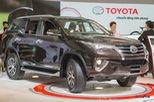 Toyota Fortuner 2017 bất ngờ giảm giá; nhiều mẫu xe hơi được khuyến mại để kích cầu