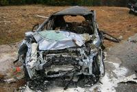 Dùng keo để gắn nóc xe, gara sửa ô tô phải đền 42 triệu USD cho một cặp vợ chồng