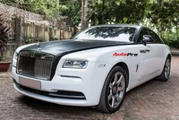 Rolls-Royce Wraith đổi màu theo phong cách gấu trúc tại Hà Nội
