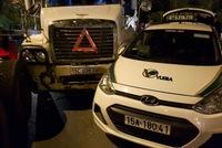 Hải Phòng: Container mất lái đâm một loạt ô tô