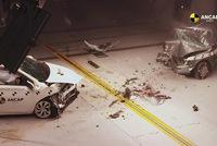 Xem Toyota Corolla 1998 đấu đầu Corolla 2015 để biết công nghệ đảm bảo an toàn trên xe hơi đã tiến bộ thế nào