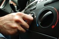 Bật điều hòa ngay khi vào xe và chĩa thẳng vào người - Thói quen sai khó sửa của nhiều tài xế