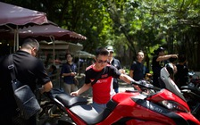 """Dàn """"chiến mã"""" Ducati tụ tập cuối tuần tại Hà Nội"""