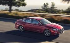 Đánh giá Hyundai Sonata thế hệ mới: Còn khiếm khuyết nhưng đủ sức đấu Toyota Camry tại bất kỳ đâu