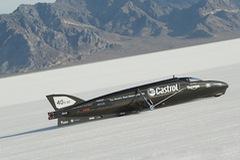 Tay đua Guy Martin khát khao phá kỷ lục tốc độ với Triumph Streamliner