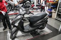 """""""Giải phẫu"""" Yamaha Acruzo 2015: Linh kiện tốt, bố trí gọn gàng, khó tháo lắp"""