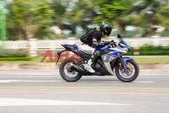 """Yamaha R3 – """"chiến mã"""" sportbike đầy uy lực"""