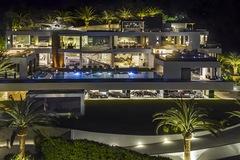 Biệt thự đắt nhất nước Mỹ chứa cả bộ sưu tập xe trị giá 30 triệu USD