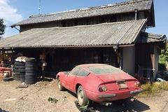 Chiếc Ferrari cổ bị bỏ quên 40 năm bám đầy bụi bẩn được bán với giá 49 tỷ Đồng