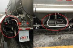 Honda Civic chui hẳn vào gầm xe bồn, người lái thoát chết thần kỳ