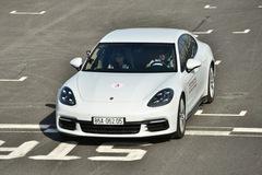 Porsche lần đầu hướng dẫn lái xe thể thao tại Việt Nam