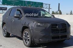 Toyota chuẩn bị gì cho RAV4 2019 để lật đổ Honda CR-V