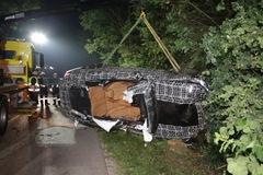 Cận kề ngày ra mắt, BMW 8-Series đã gặp tai nạn chết người, nạn nhân lại là...