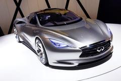 100% xe Infiniti là xe điện từ 2021: Có là quá sớm?