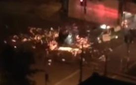 Trực thăng cảnh sát va chạm với xe cứu hỏa và phát nổ giữa đường