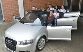 Ngỡ ngàng với Audi A3 mui trần 6 cửa và 8 chỗ ngồi