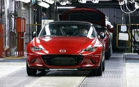 """Xe mui trần bán chạy Mazda MX-5 2016 ít """"khát xăng"""" hơn trước"""