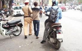 Nóng trong ngày: Không đội mũ bảo hiểm, trộm xe máy bị CSGT tóm