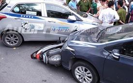 Hà Nội: Honda City đâm liên hoàn 2 xe máy, 2 trẻ nhỏ bị thương
