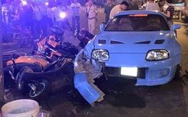 """Toyota Supra """"hàng độc"""" hạ gục 4 xe máy và mô tô tại Sài Gòn"""