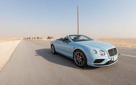 Bentley Continental GT V8 S Convertible đua cùng tàu hỏa