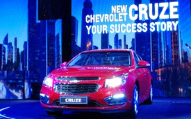 Chevrolet Cruze 2015: sedan hạng C, giá hạng B