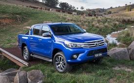 """Kiểm tra độ an toàn của """"lính mới"""" Toyota Hilux 2016"""