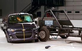 Chevrolet Spark 2016 an toàn đáng ngạc nhiên qua thử nghiệm IIHS