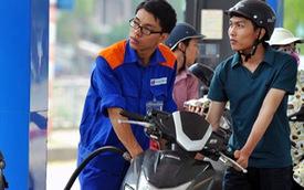 Giá xăng giảm mạnh, về ngưỡng 15 ngàn/lít?
