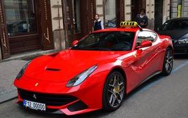 """Siêu xe Ferrari F12 Berlinetta làm taxi """"gây bão"""" trên mạng xã hội"""