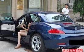 Ghé thăm các trường đại học Trung Quốc, bạn sẽ ngỡ đang lạc vào triển lãm siêu xe