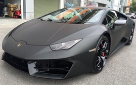 Vừa tìm thấy chủ nhân, Lamborghini Huracan 16,5 tỷ Đồng được thay áo đen nhám cá tính