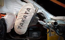 Sốc: Toyota vẫn bán xe lỗi túi khí