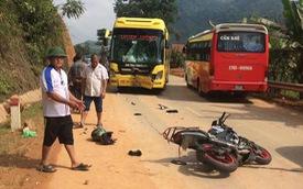 Tuyên Quang: Yamaha FZ150i đâm lõm đầu xe khách, đôi nam nữ người thương vong