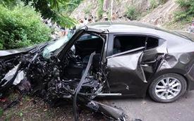 """Hiện trường """"rùng mình"""" của vụ tai nạn giữa Mazda3 và xe đầu kéo ở Quy Nhơn"""