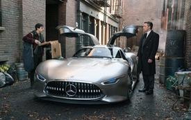 """Siêu xe Mercedes-Benz AMG Vision Gran Turismo được """"phóng to"""" để vừa với """"Người Dơi"""" Ben Affleck"""