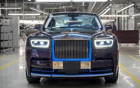 Rolls-Royce Phantom 2018 đầu tiên được đem đấu giá